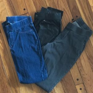 Lot of 3 Hue Curvy Fit Jeggings - Medium